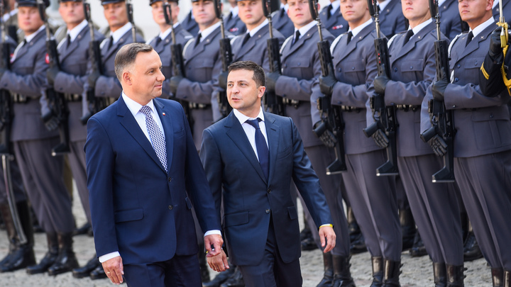 Украина подписала себе газовый приговор?  Что стоит за соглашением с США и Польшей против России