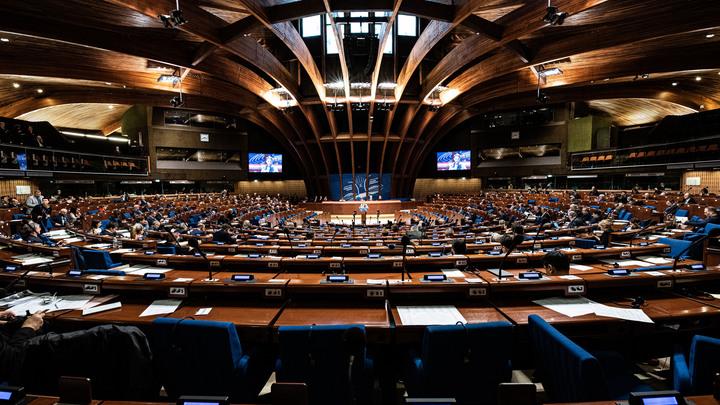 Попробуй Петю не выбери!: Андрей Норкин иронично объяснил противоречивость делегатов ПАСЕ