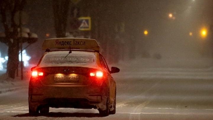Летел на желтый - виноват!: в Челябинске блогер выиграл в спорном ДТП