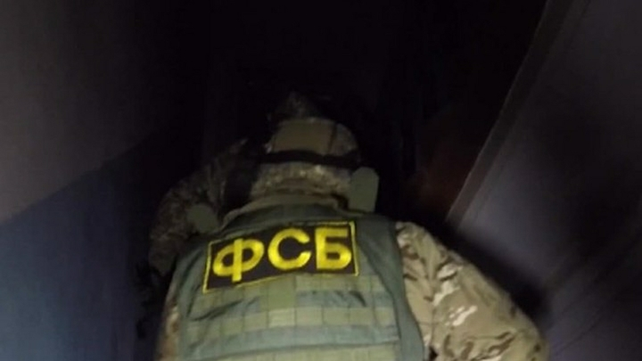 ФСБ обыскала кабинет подозреваемого в коррупции вице-премьера Якутии