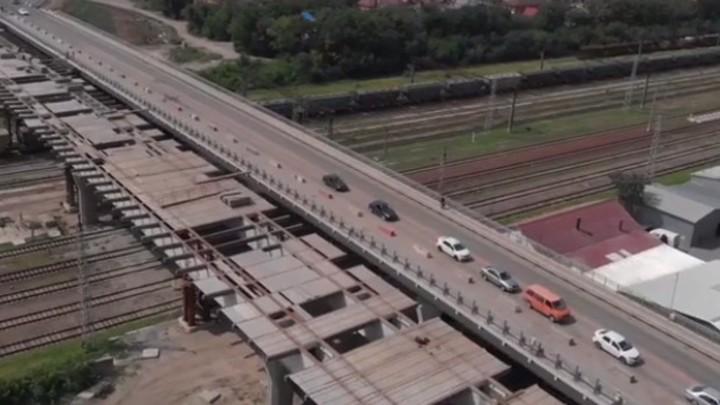 Ни дня без пробок: стало известно, когда завершат реконструкцию моста на Малиновского в Ростове