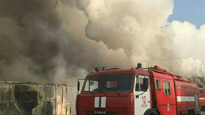 «Вспышка в 30 метров и зарево»: Очевидцы рассказали о взрывах на заводе в Балашихе