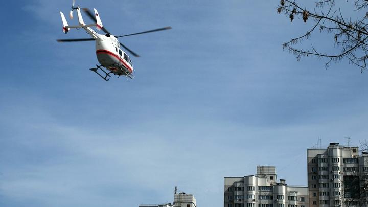 Пять машин скорой и вертолёт санавиации: В Москве на МКАД произошла массовая авария с мусоровозом