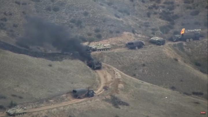 В карабахском селе в ожидании сдачи Азербайджану сжигают дома и прощаются с монастырём