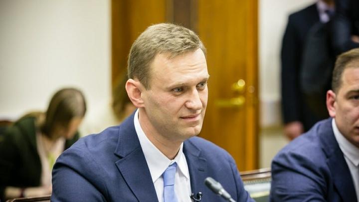 Навальный сел в глубокую лужу, показав фото ужасного роддома