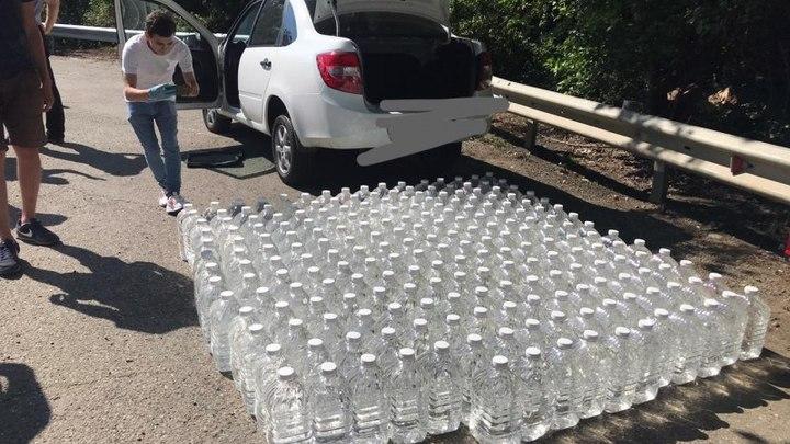 В Горячем Ключе поймали мужчину с тонной спирта без документов