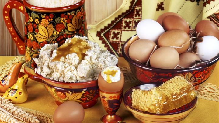 «Качество не зависит от цены»: Эксперты проверили творог на российских прилавках