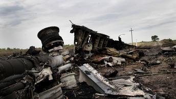Подозреваемых по-прежнему нет: В Гааге заслушают промежуточный отчет о крушении рейса MH17