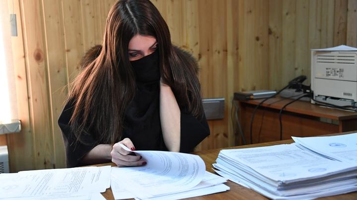 Паспорт выдали по ошибке: Отца Мары Багдасарян лишили гражданства
