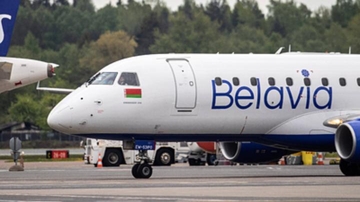 Отказ двигателя или…? Полный пассажиров Boeing запросил экстренную посадку в Москве
