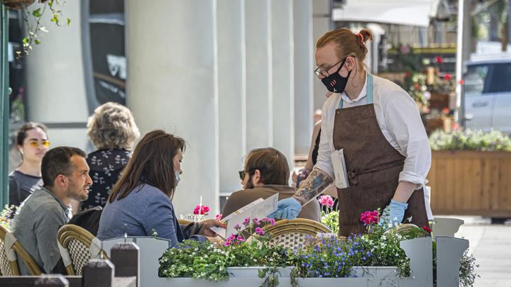 Когда рестораны, кафе и бары откроют свои двери: Губернатор Подмосковья назвал дату и условие