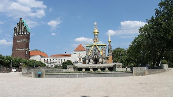 Первый камень церкви заложили 16 октября 1897 года в присутствии Николая II. Через два года на открытие капеллы в Дармштадт также специально приехала императорская чета.  Фото: Евгений Криницын