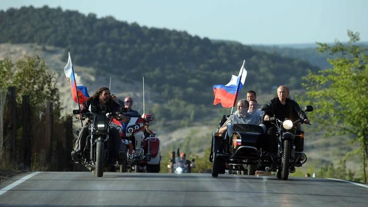Обвиняя Россию, НАТО оправдывается: В Крыму это назвали валить с больной головы