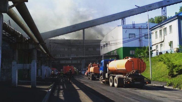 Замгубернатора Кузбасса раскрыл подробности пожара на обогатительной фабрике в Березовском