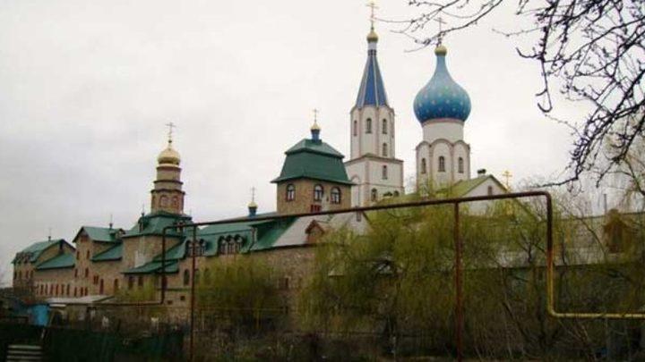 Оскорбление чувств верующих!: настоятель монастыря просит перенести строительство мусорного завода