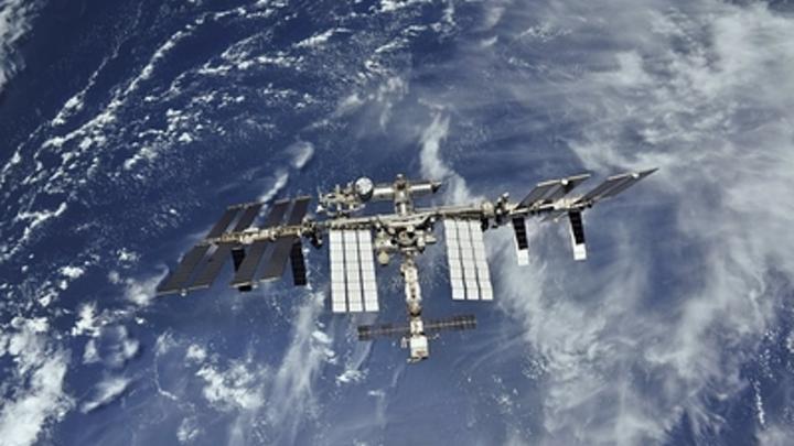 Космонавты МКС поздравили Россию с профессиональным праздником