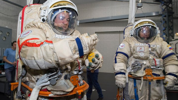 Дожили! Позорище!!!: В Twitter раскритиковали инициативу пересадить русских космонавтов на американские корабли