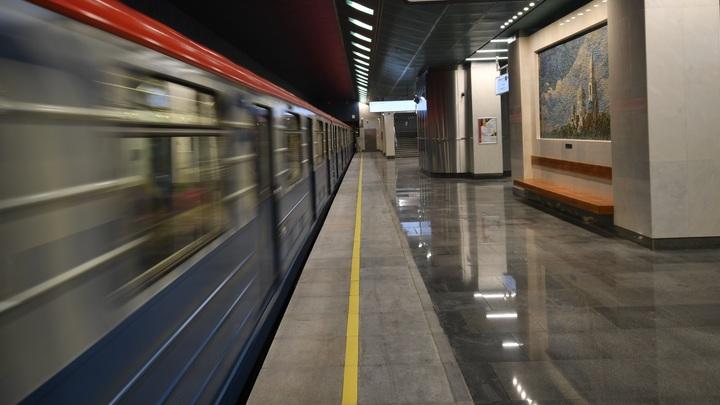 Экстремальная поездка в метро: Пассажиры московской подземки прокатились в отцепленном вагоне - видео
