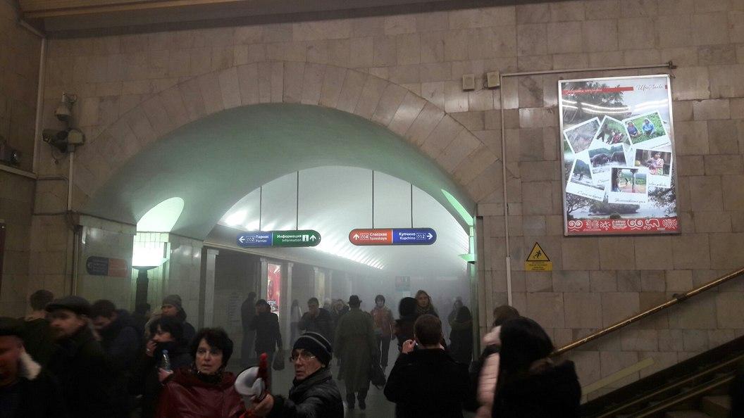 Очевидцы показали, где находились бомбы в метро Санкт-Петербурга - фото