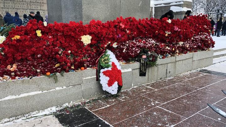 В Санкт-Петербурге стартовал автопробег, посвященный Дню Победы