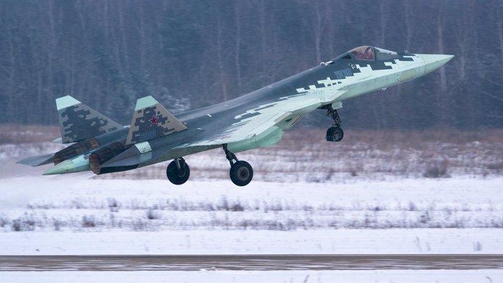 Первый серийный Су-57 поднялся в воздух: ОАК показала, как создаётся истребитель пятого поколения