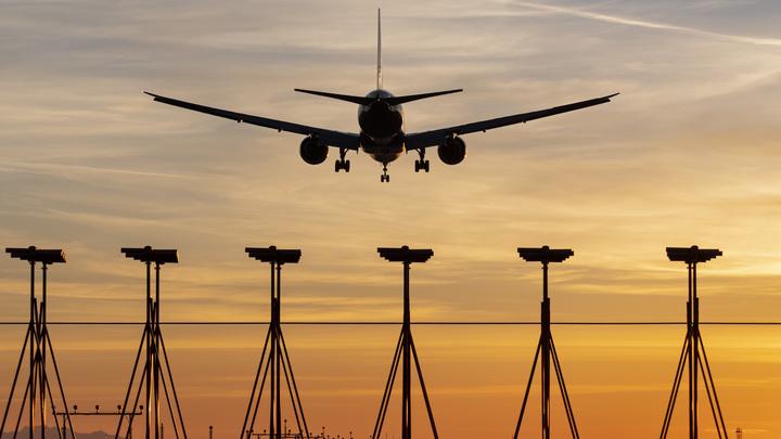 Вброс в Новой об MH17 связан с президентом США?: Эксперт о русском следе в крушении Боинга