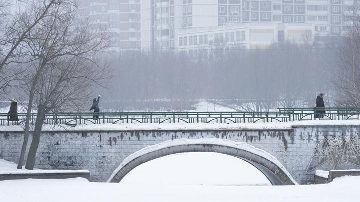 Эксперты сошлись в сроках отмены COVID-ограничений в Москве