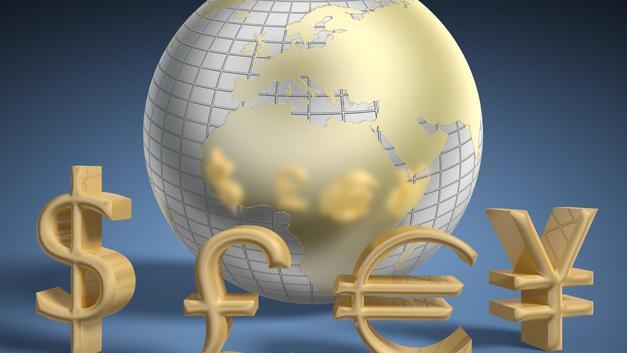 Доллар укрепился к евро, но понизился к иене