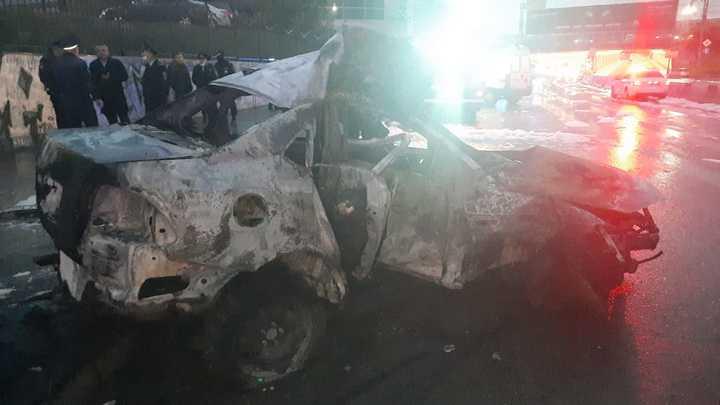 Три человека погибли в загоревшемся после ДТП автомобиле в центре Новосибирска