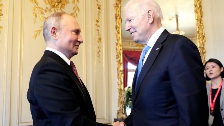 Что маленькому Джо говорила мама? Байден на встрече с Путиным ударился в детство