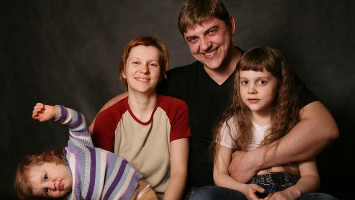 Демократия добралась до российских семей - ВЦИОМ