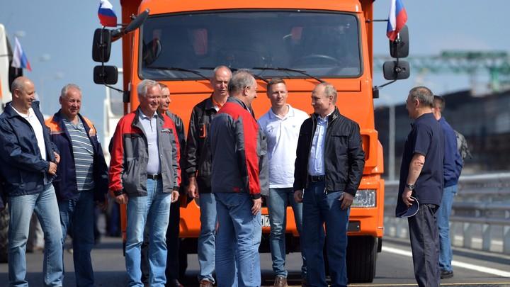 Путин на грузовике приедет прямо в Киев: Украинцы распространяют «пророчества»