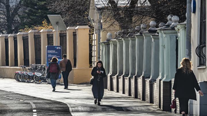 Мальчиков в России больше, чем девочек. Но только до определённого момента: о чём рассказала статистика