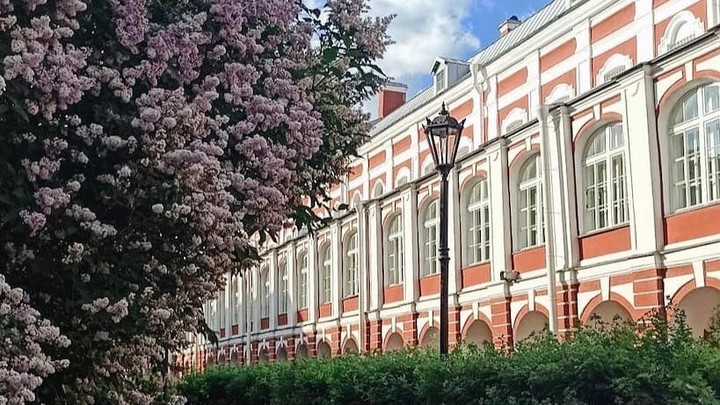 Немой вопрос студентов повис в воздухе: они не понимают, зачем СПбГУ строит кампус за городом
