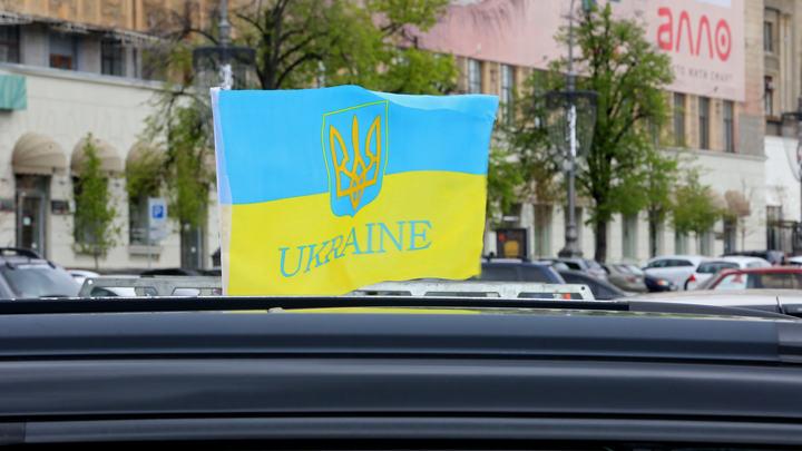 Я в команду аферистов не собираюсь идти - сказал украинский политик и чуть не рухнул под трибуну
