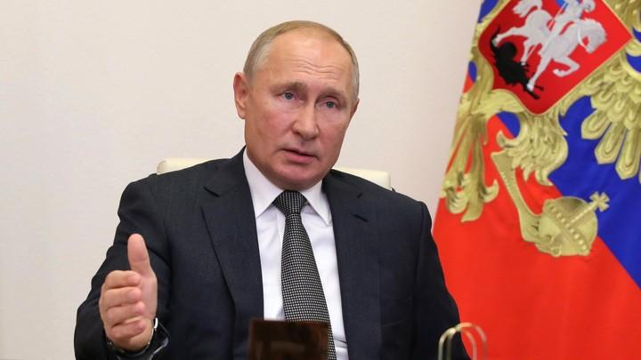 Путин анонсировал зарубежный визит: Лично привьюсь российской вакциной и поеду