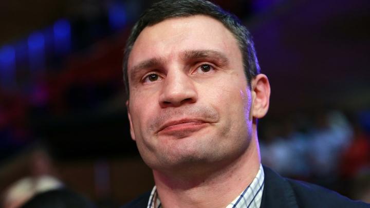 Продавший экскурсию по Киеву Кличко переговорил с Волкером - видео