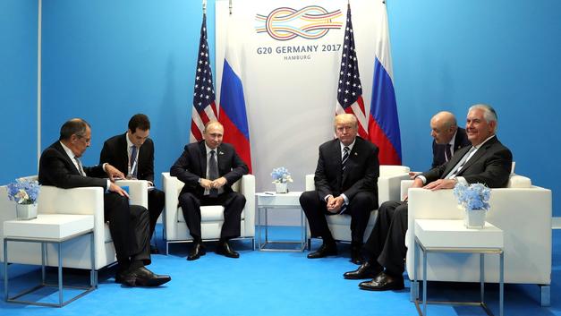 Путин и Трамп устроили в Хельсинки состязание по опозданиям