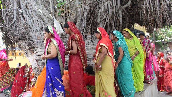 Из России с любовью: Российская керамистка показала индийцам, как делают настоящий фарфор