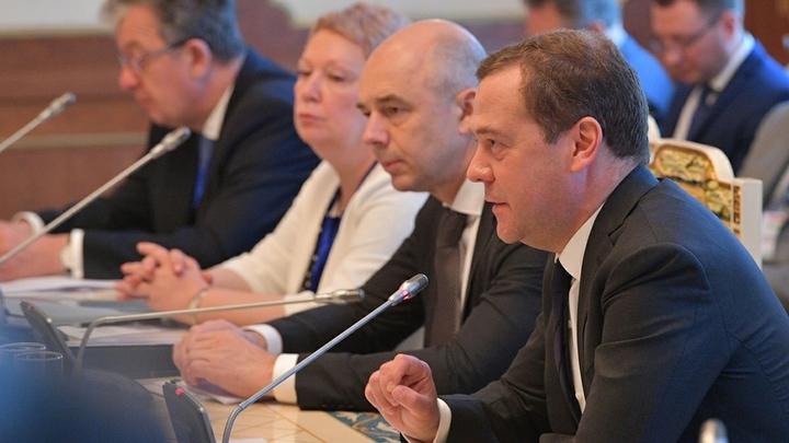 «Не два-три дня»: Гаспарян назвал отставку Медведева вопросом времени