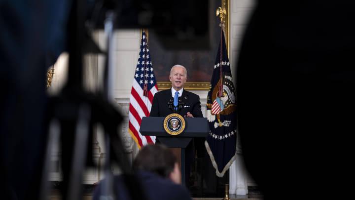Байден на год продлил санкции семилетней давности из-за чрезвычайной угрозы для США