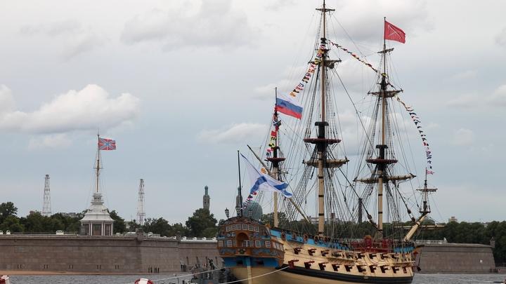 Коронавирус в Санкт-Петербурге на 26 июля: массовый День ВМФ и карантин курсантов