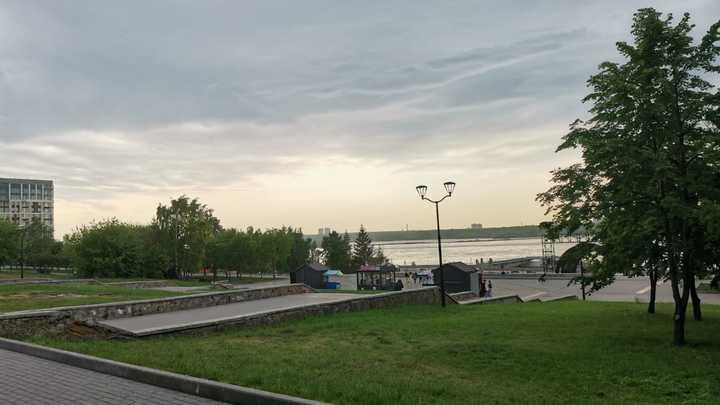 МЧС выпустило предупреждение о грозе со шквалистым ветром в Новосибирской области