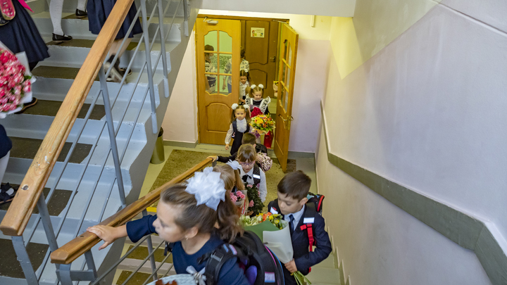Власти пообещали создать 3 тысячи новых мест в школах Екатеринбурга в 2021 году