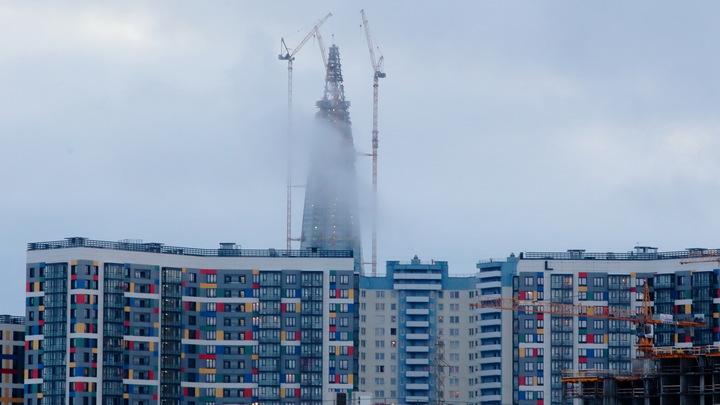 Единственный небоскреб в Петербурге сегодня снова горел