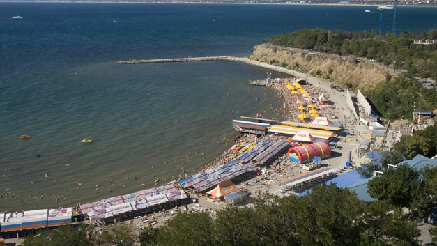 У одних грязно, у других холодно: Почему нельзя купаться в Анапе и Геленджике