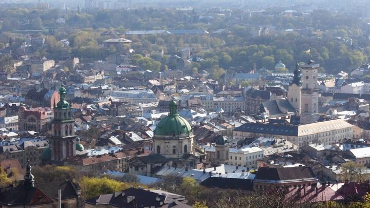 Объявляйте Львовскую народную республику: Толпа радикалов ворвалась в Львовский горсовет