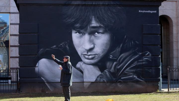 Ждём готовности пьедестала: В Петербурге с 2009 года пытаются установить памятник Цою