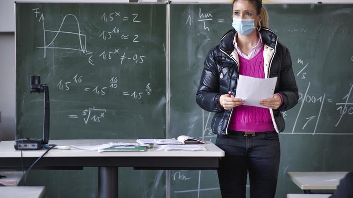 В двух новосибирских школах планируют продлить учебный год из-за пандемии COVID-19