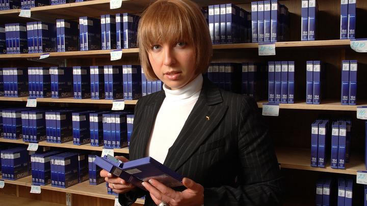 Исчез с радаров, но был востребован: Яна Чурикова заступилась за впавшего в кому экс-ведущего MTV